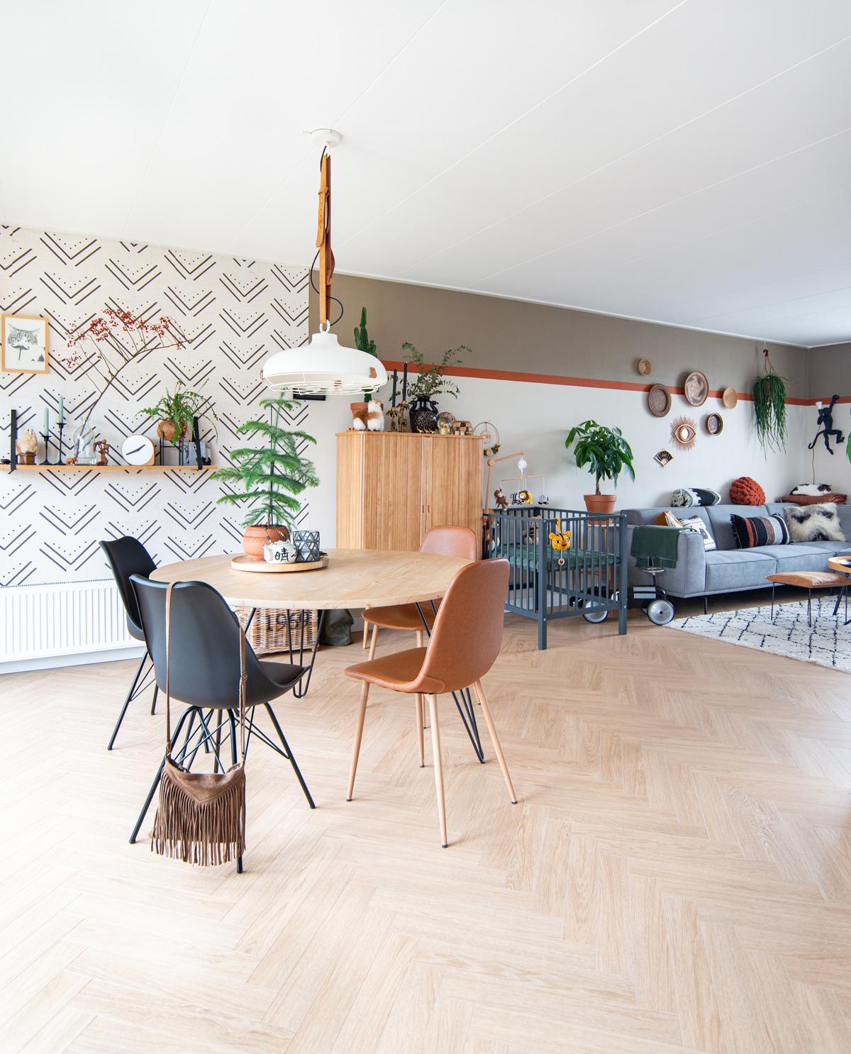 keeelly91 tafel eettafel allondery op maat ronde tafel interieur inspiratie wonen home modernboho visgraat vloer