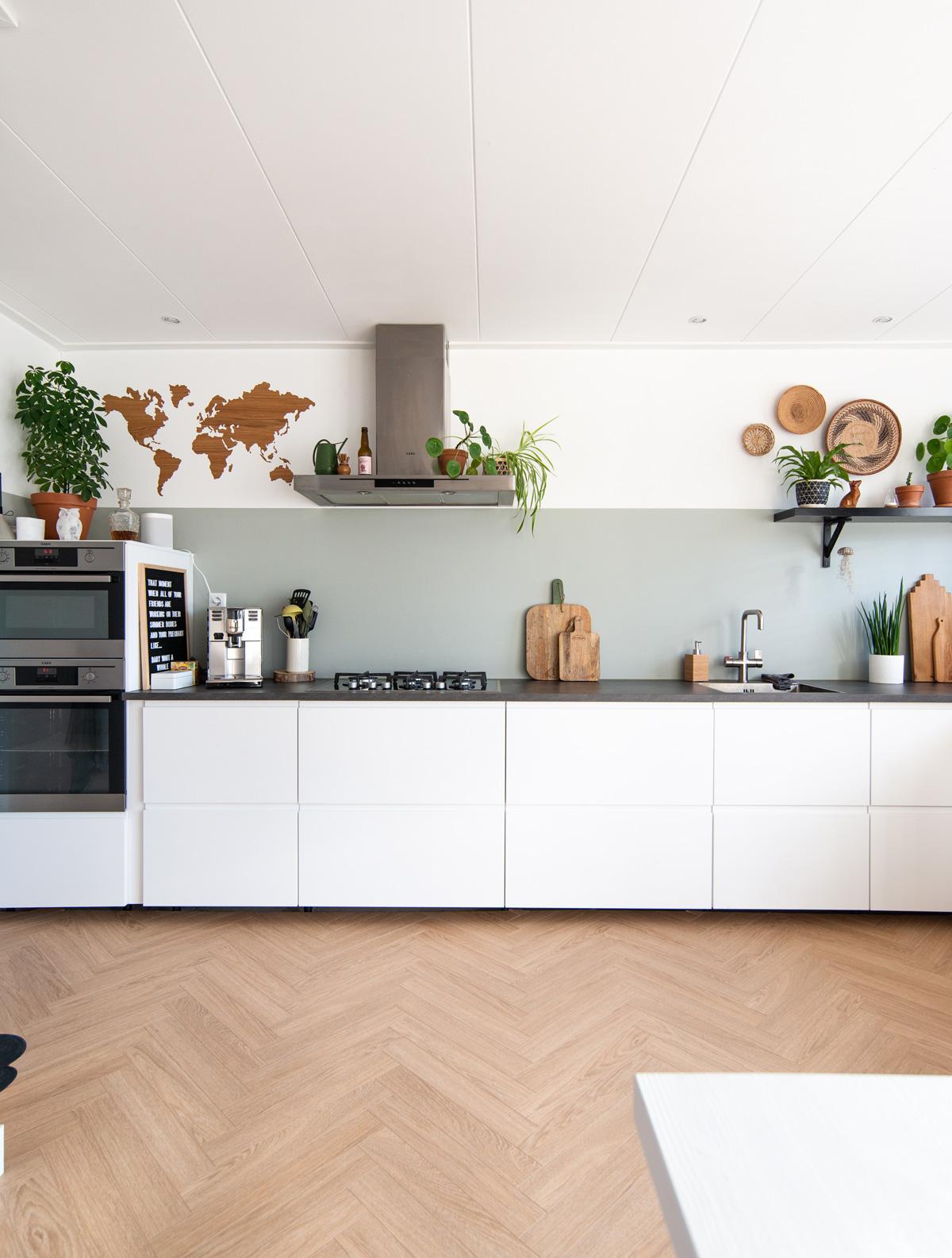 keeelly91 blogger visgraat Berry alloc vloer eiken hout Ikea kitchen wit greeploos wooninspiratie