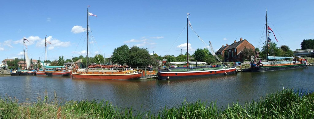 Panoramic view: Comrade (keel), Amy Howson (sloop), Phyllis (sloop), Southcliffe (keel) and Spider T (sloop)