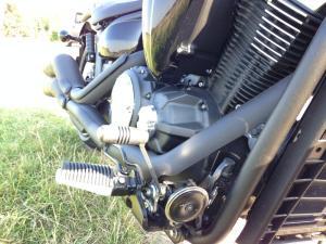 Yamaha_XVS1300_Custom_foot_brake_800