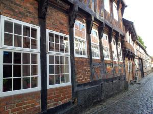 2014-08-de-dk-old_buildings_800