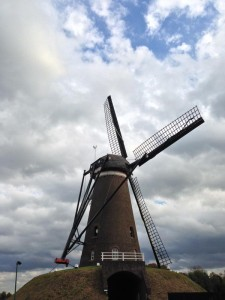 2014-10-autumn_ride_windmill_800