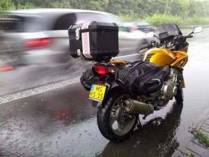 2014-08-de-dk-rain-road_800