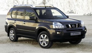 nissan-x-trail-black