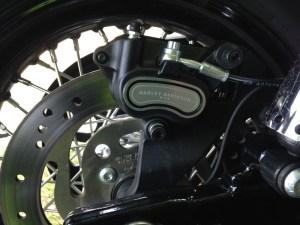 H-D Dyna Street Bob - brakes