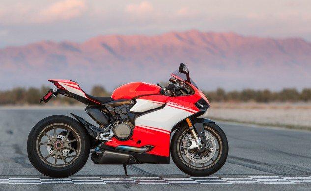 Ducati-Superleggera-side