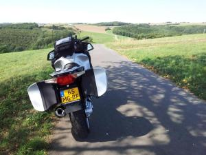 201508-luxembourg-BMW-windy-road