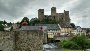 2016-07-moezel-castle-2