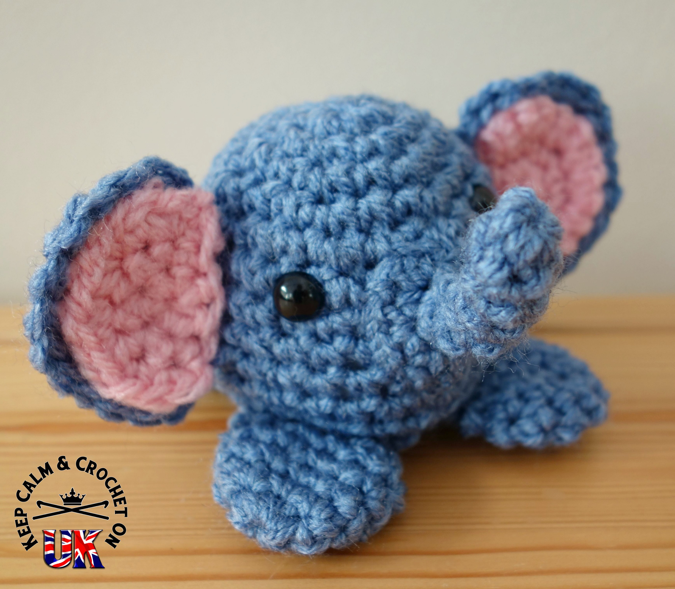 Crochet trimmings baby elephant - YouTube | 2403x2750