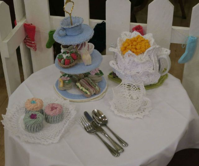 Knitted tea room