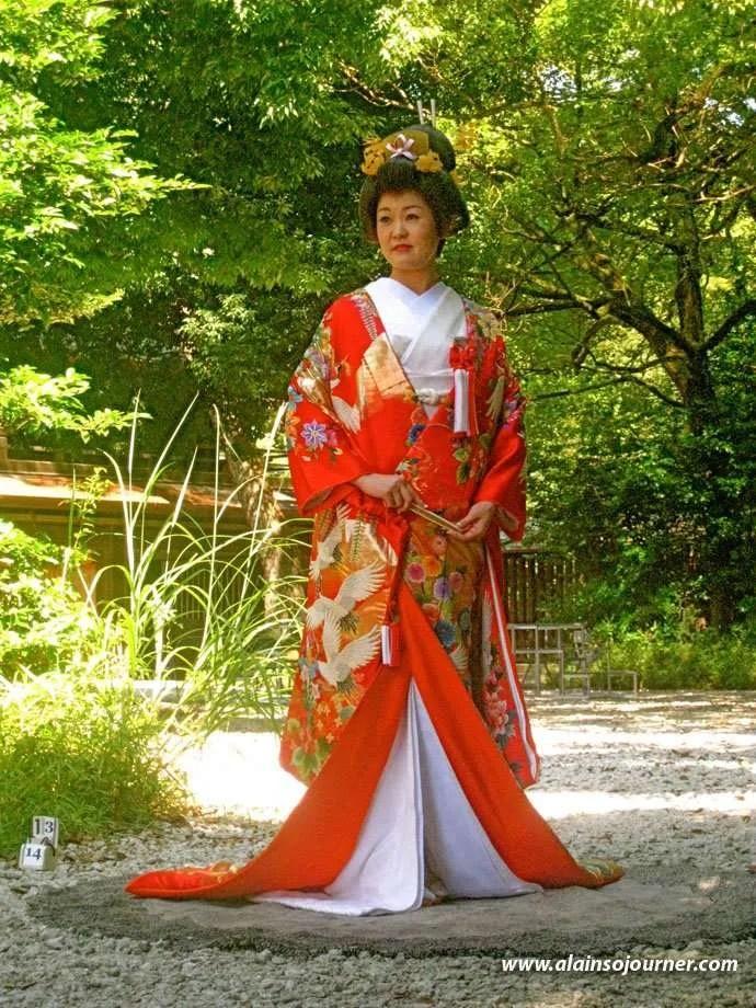 Traditional Japanese Weddings at Meiji Jingu Shrine in Tokyo. A Japanese bride in her fabulous kimono.