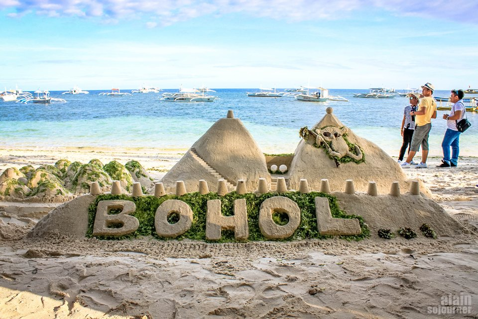 Things to do in Bohol: Relax at Panglao Beach.