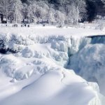 Frozen Niagara Falls is Breathtakingly Stunning
