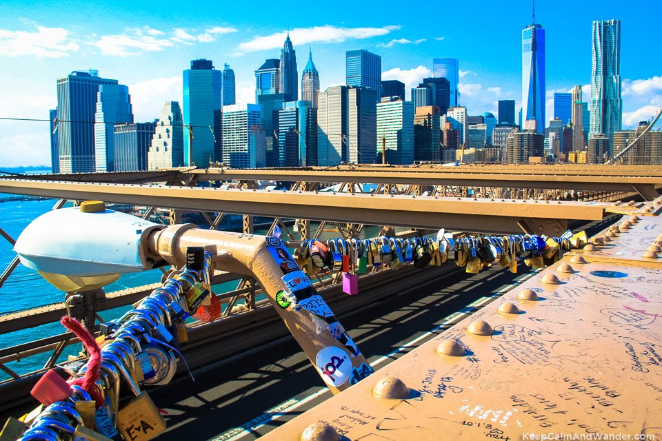 Love locks in Brooklyn Bridge.