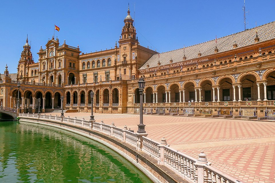 Plaza de España in Sevilla is a Timeless Square in Sevilla.