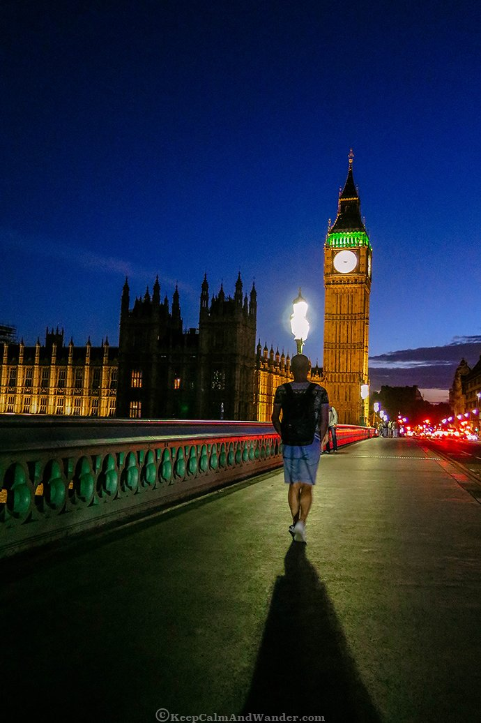 London's Big Ben at Night Shines Bright (England).