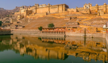 Amer Fort (Amber Fort) - The Palace Built on a Mountain in Jaipur (India).