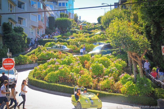 Lombard Crooked Street in San Francisco