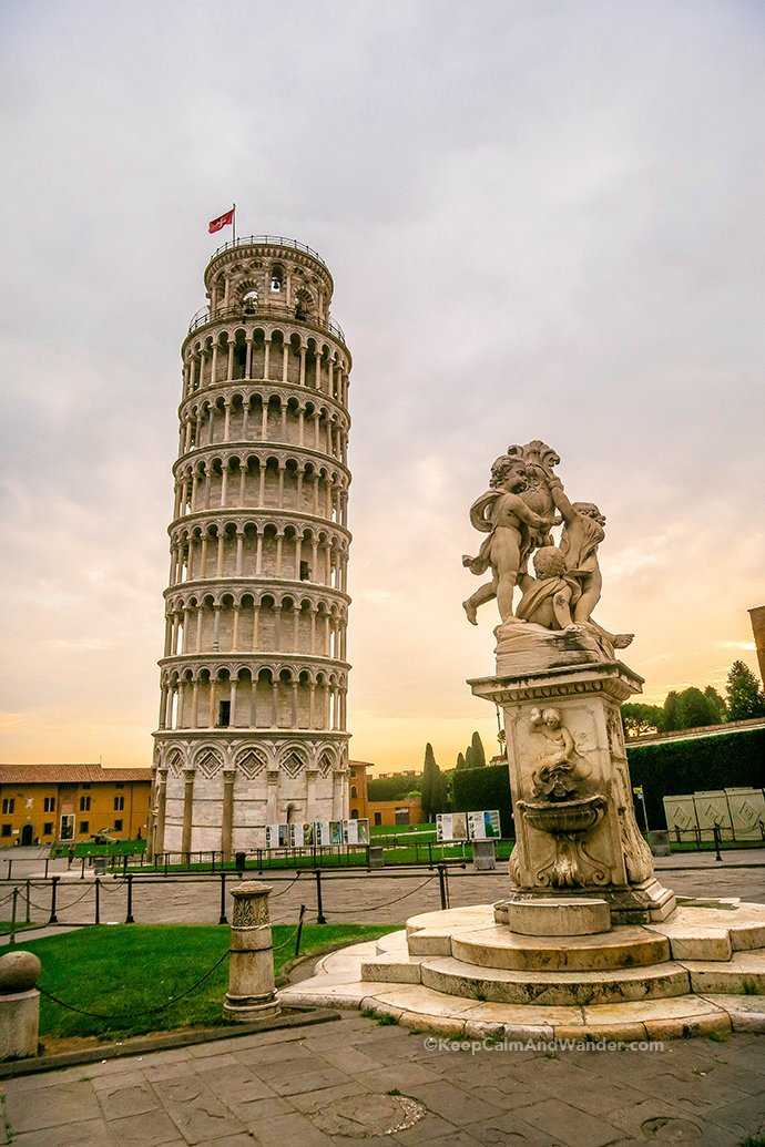 Three Landmarks to See in Pisa: The Leaning Tower, Pisa Cathedral and Baptistery (Italy).