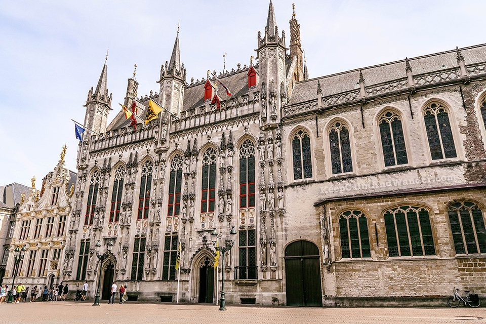 Place Burg / I Spent a Day in Bruges and I did My Own Walking Tour (Belgium).