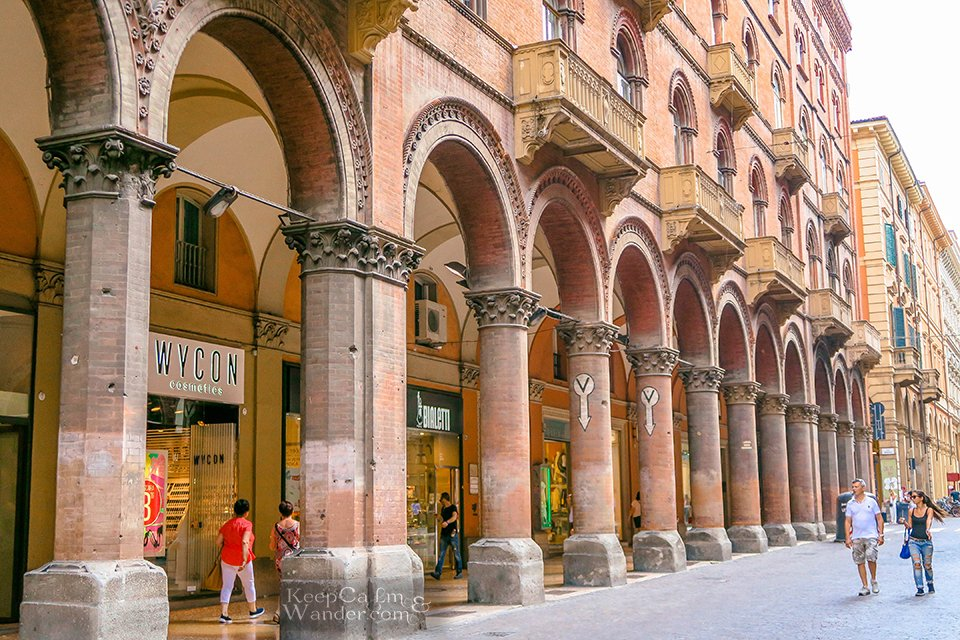 Travel Itinerary: A Day in Bologna (Italy).