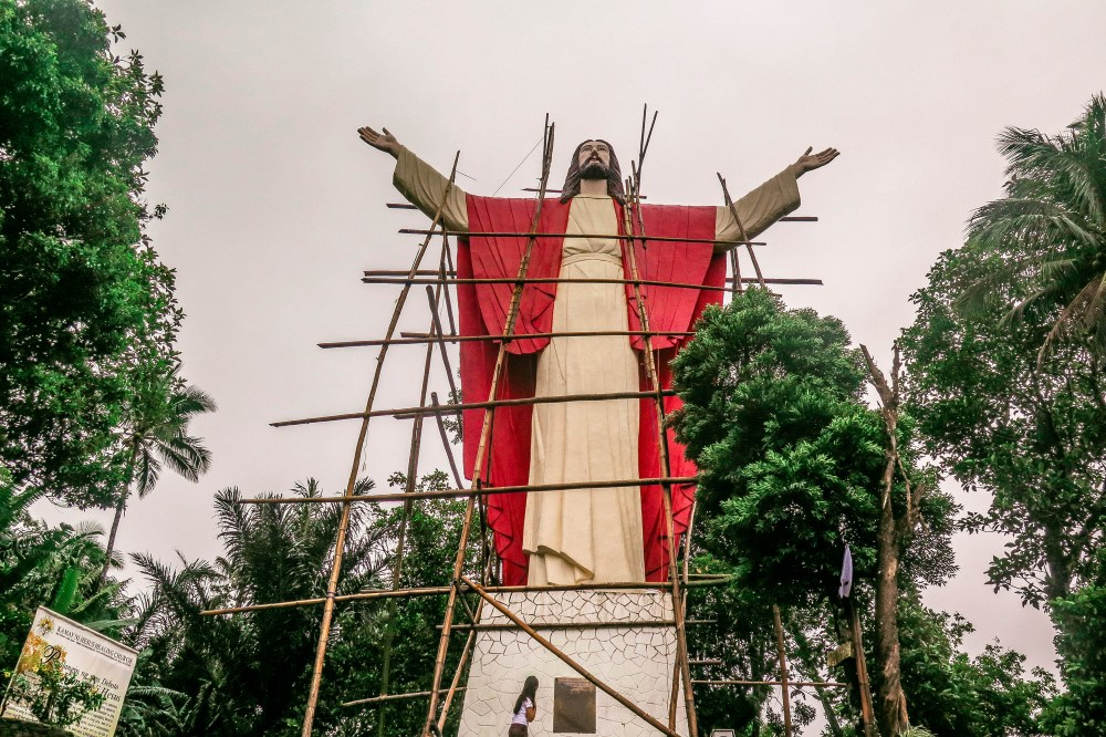 "Kamay ni Hesus in Lucban - the Philippine's Version to ""Christ The Redeemer"" in Brazil"