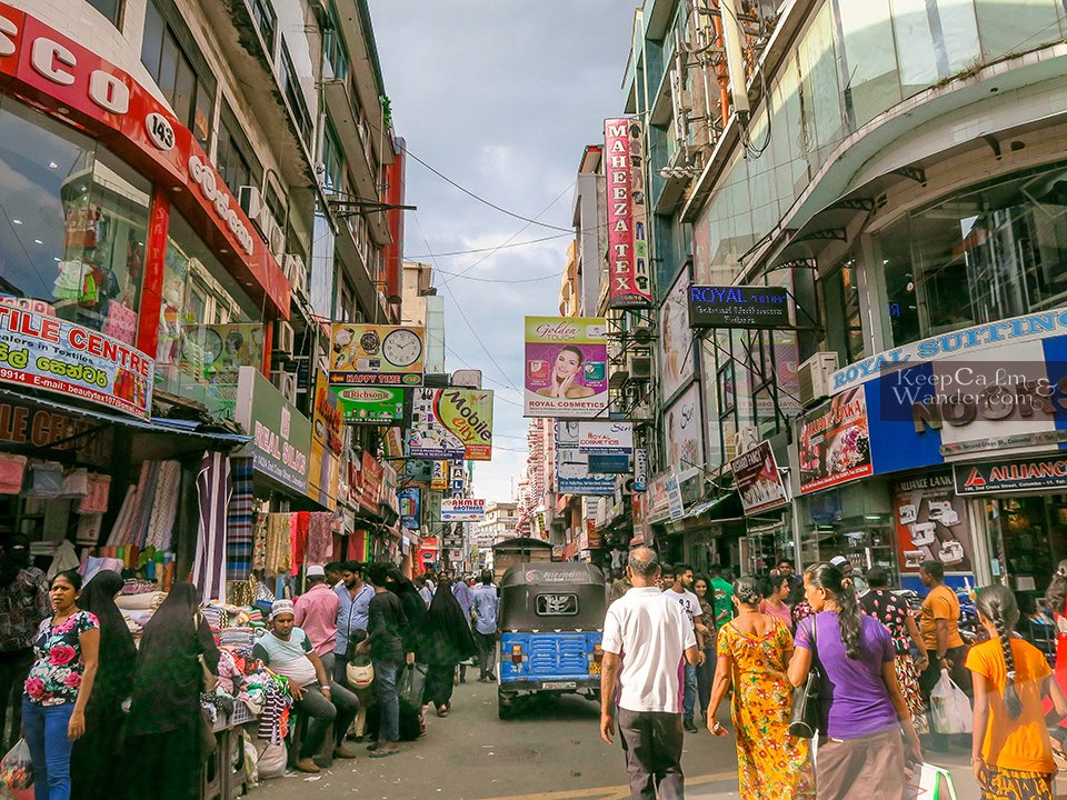 Sri Lanka: What to do and see in Pettah (Pettah Market in Colombo).