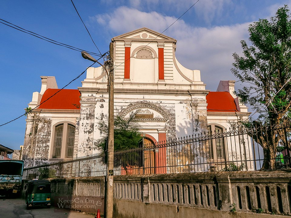 Sri Lanka: What to do and see in Pettah (Wolvedaal Church in Colombo).