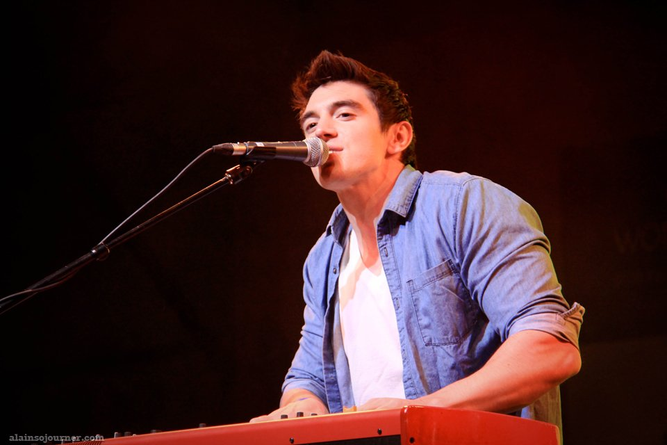 Steve Grand is an all Out American Boy
