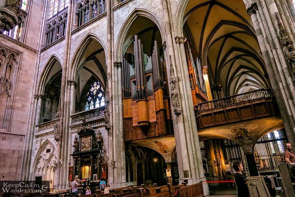 Inside Koln Catedral (Germany). Travel Blog