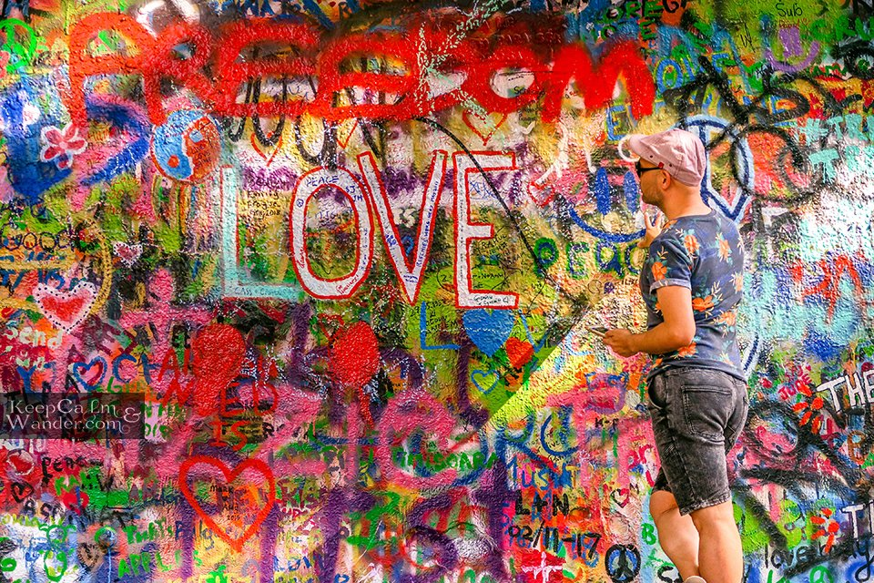 Travel Blog John Lennon Wall in Prague (Czech Republic).