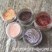 How to Make Your Own Natural Makeup #DIYFriday (with Video) 11