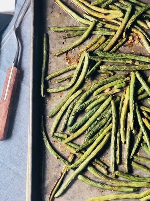 Roasted Green Beans with Rojo Chimichurri
