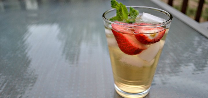 Green tea has so many benefits for you, but I never could get my kids to drink it. Here's a great recipe for iced tea your kids will love.