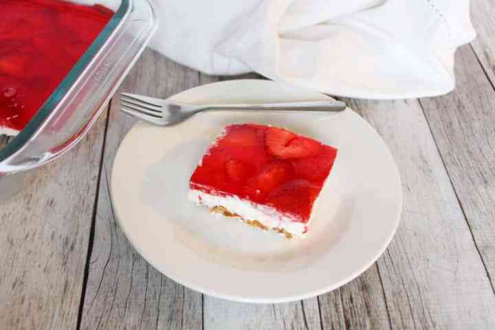 Weight Watchers Freestyle Strawberry Pretzel Jello Dessert WW 4