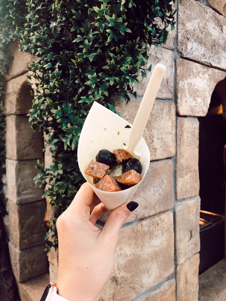 I'm sharing all of the food and drinks we tried at Epcot's International Food and Wine Festival