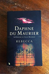 Rebecca - Daphne du Maurier - Keeping Up With The Penguins