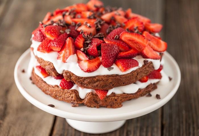 Chocolate Strawberry Shortcake Waffles A Nunaturals Giveaway