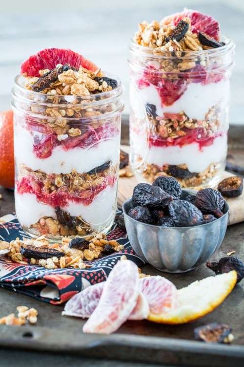 These Vanilla Almond Fig Granola Parfait are so light and refreshing, yet bursting with flavor. Figs and blood oranges were born to be eaten together.
