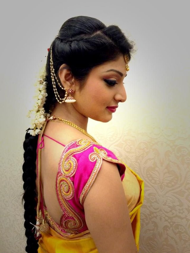 10 Most Flattering Traditional Hairstyles  for Sarees