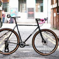 Surly Straggler with pink bartape