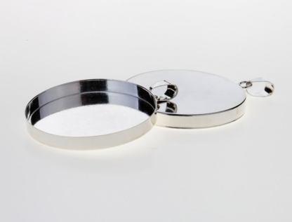 silver cabochon setting