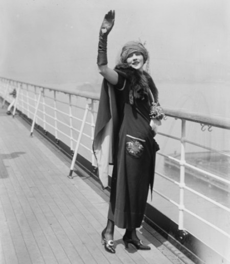 Betty-Blythe-on-a-cruise-ship-c.1920s