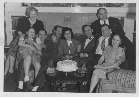 Katz & Horvitz families-12-Apr-1946 at 6342 Alderson St