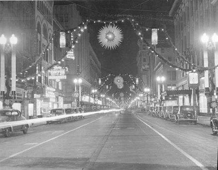ChristmasDecorations-NicolletAve-MPLS-1938