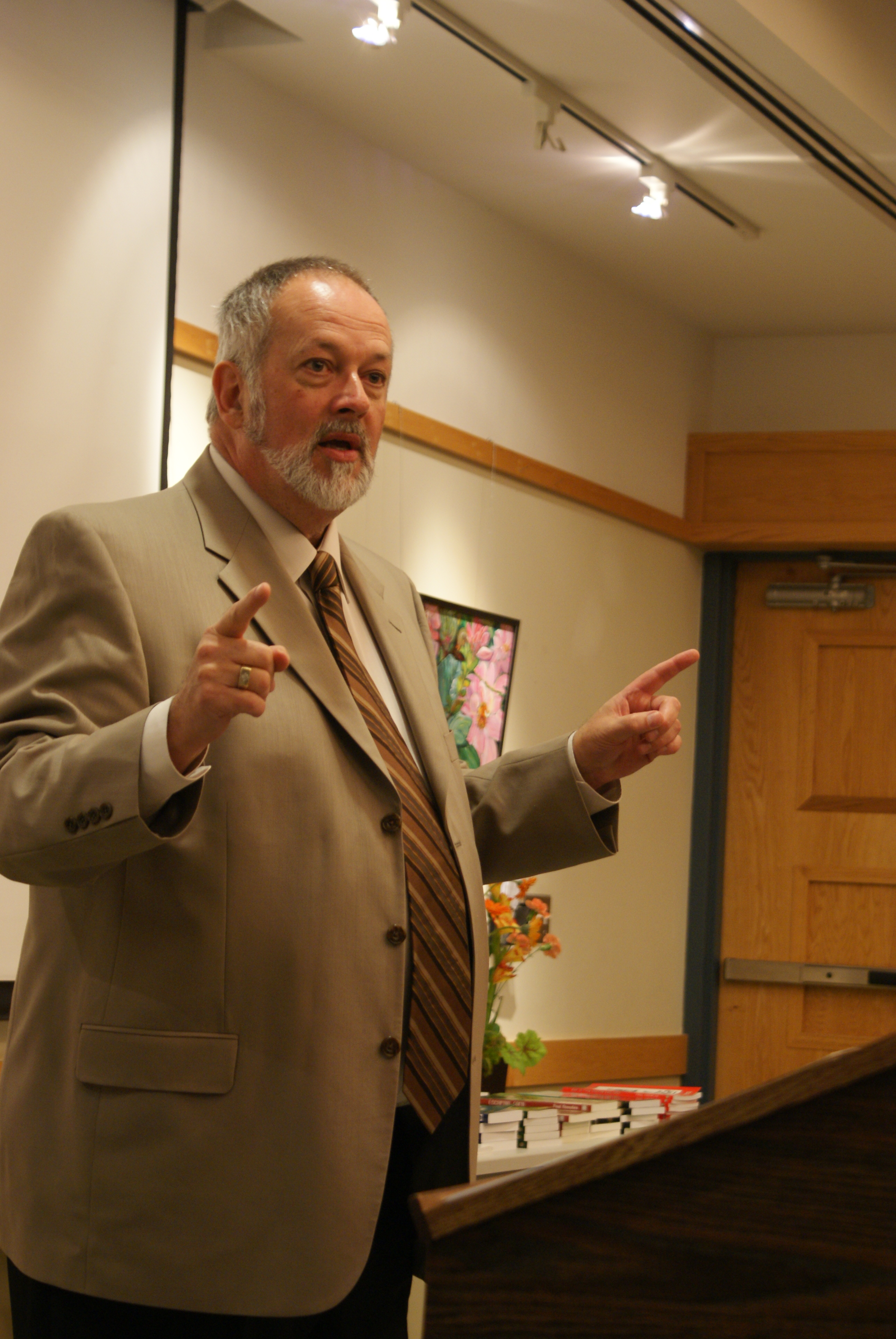 Writer Paul Knowles at the Leaside Garden Society meeting on Oct. 8