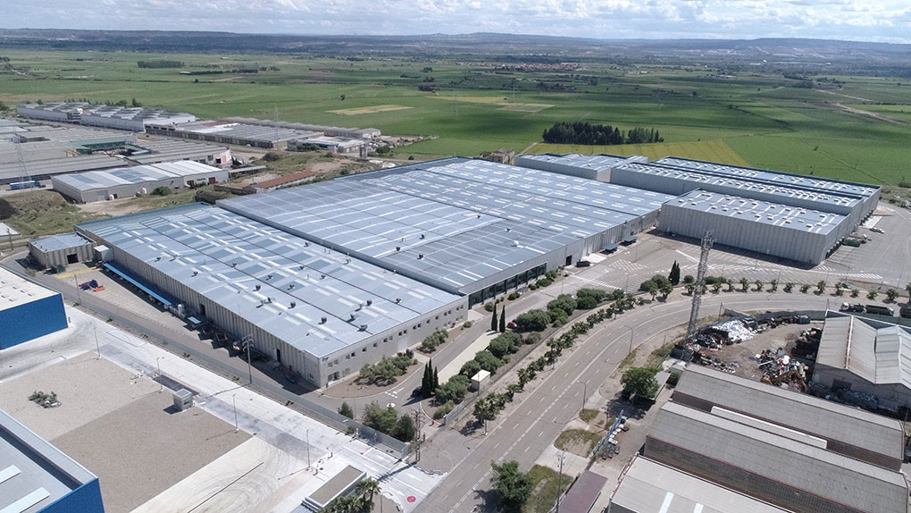 Logistics warehouse located in Malpica Industrial Estate