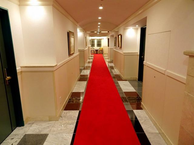 ホテルケーニヒスクローネ神戸の廊下