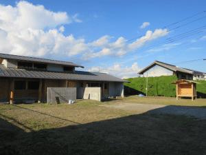 見学会会場と木組みの小家