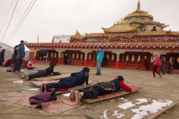 東チベット・脱ラルンガルゴンパ【前篇】
